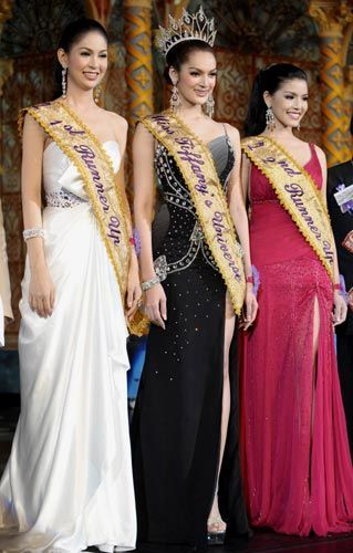 miss-tiffanys-universe-transvestite-beauty-pageant-2009_17855
