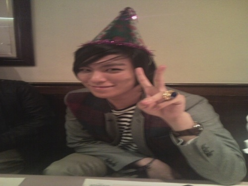 g-dragon_1257340037_12242_me2photo